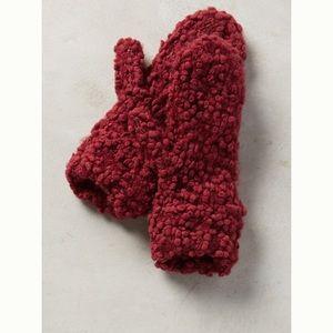 Anthropologie first snow mittens in burgundy